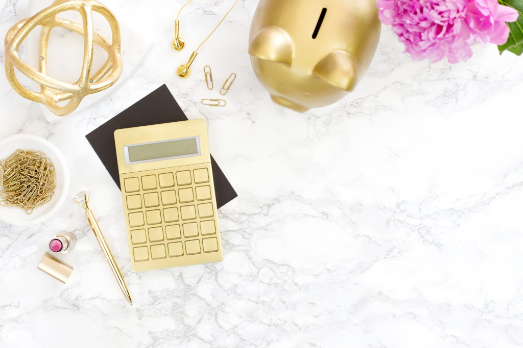 You can make 2019 the year you reach your money saving goals. All it takes is for you to stick to these simple saving tips to help you balance your budget.